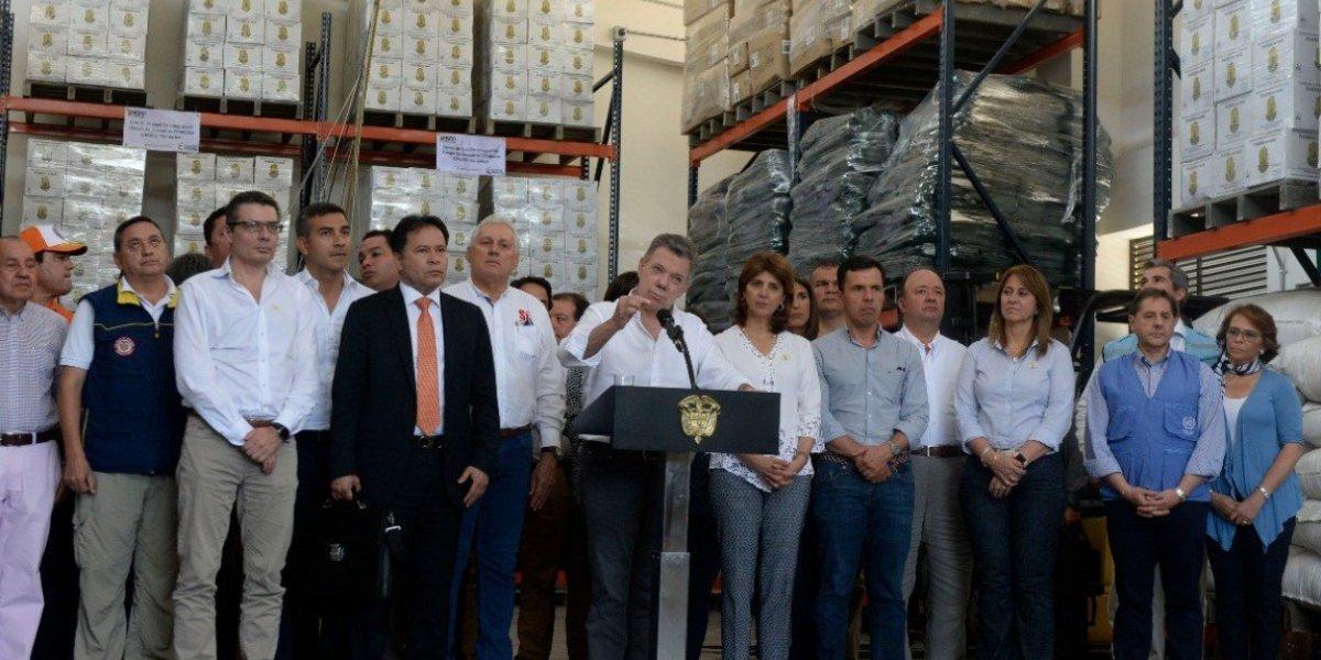 """Presidente Juan Manuel Santos """"blinda"""" frontera con Venezuela ante avalancha de migrantes"""