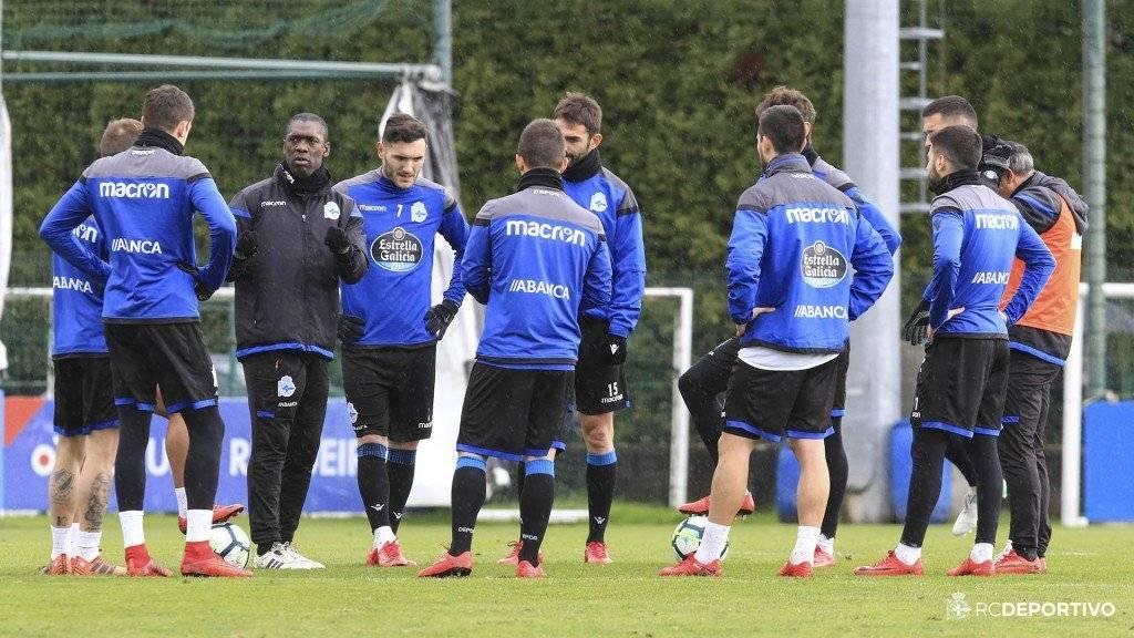 Seedorf ya trabaja con el Depor y ya prepara su partido de debut.