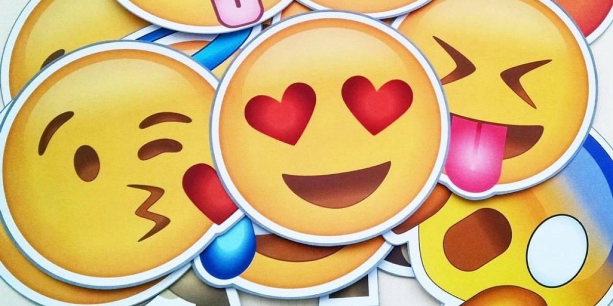 Canosos, pelados y pelirrojos: revisa los nuevos emojis que llegarán este 2018