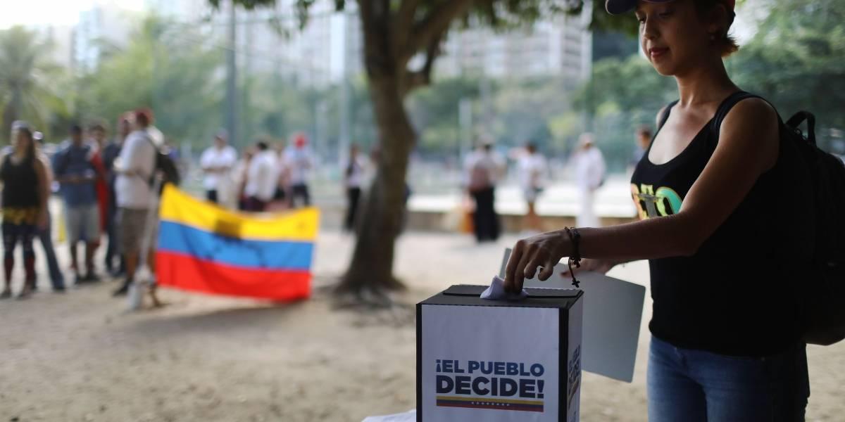 Venezuela: La oposición debate si acepta fecha de elecciones