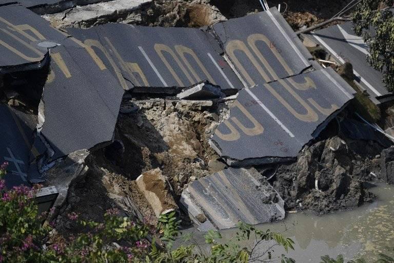 Una carretera se hundió en China dejando 8 muertos y 3 desaparecidos