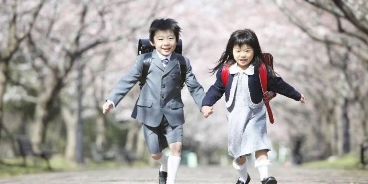 Escola pública causa polêmica ao adotar uniformes da marca Armani