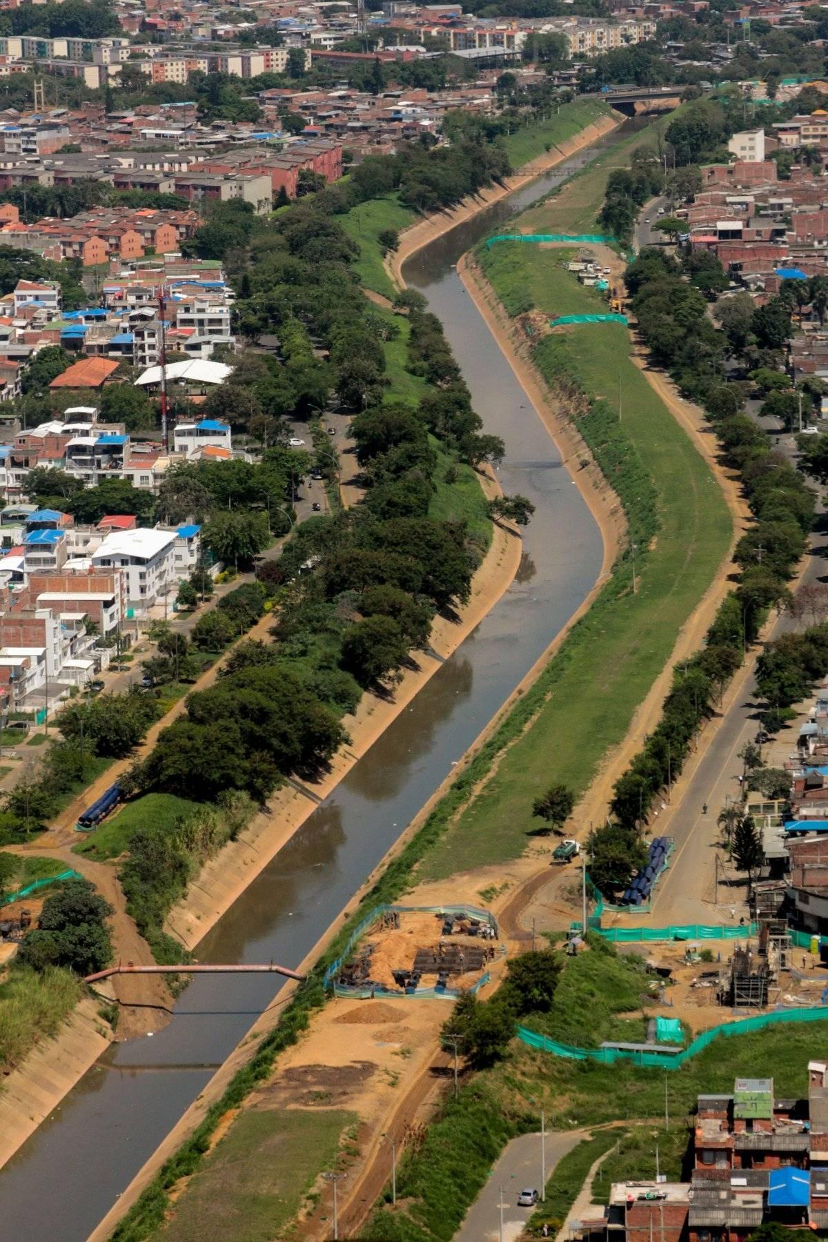 El canal oriental es el encargado de recolectar las aguas lluvia que caen en la ciudad y conducirlas a la estación de bombeo Paso del Comercio para evitar inundaciones. Foto: Hroy Chávez