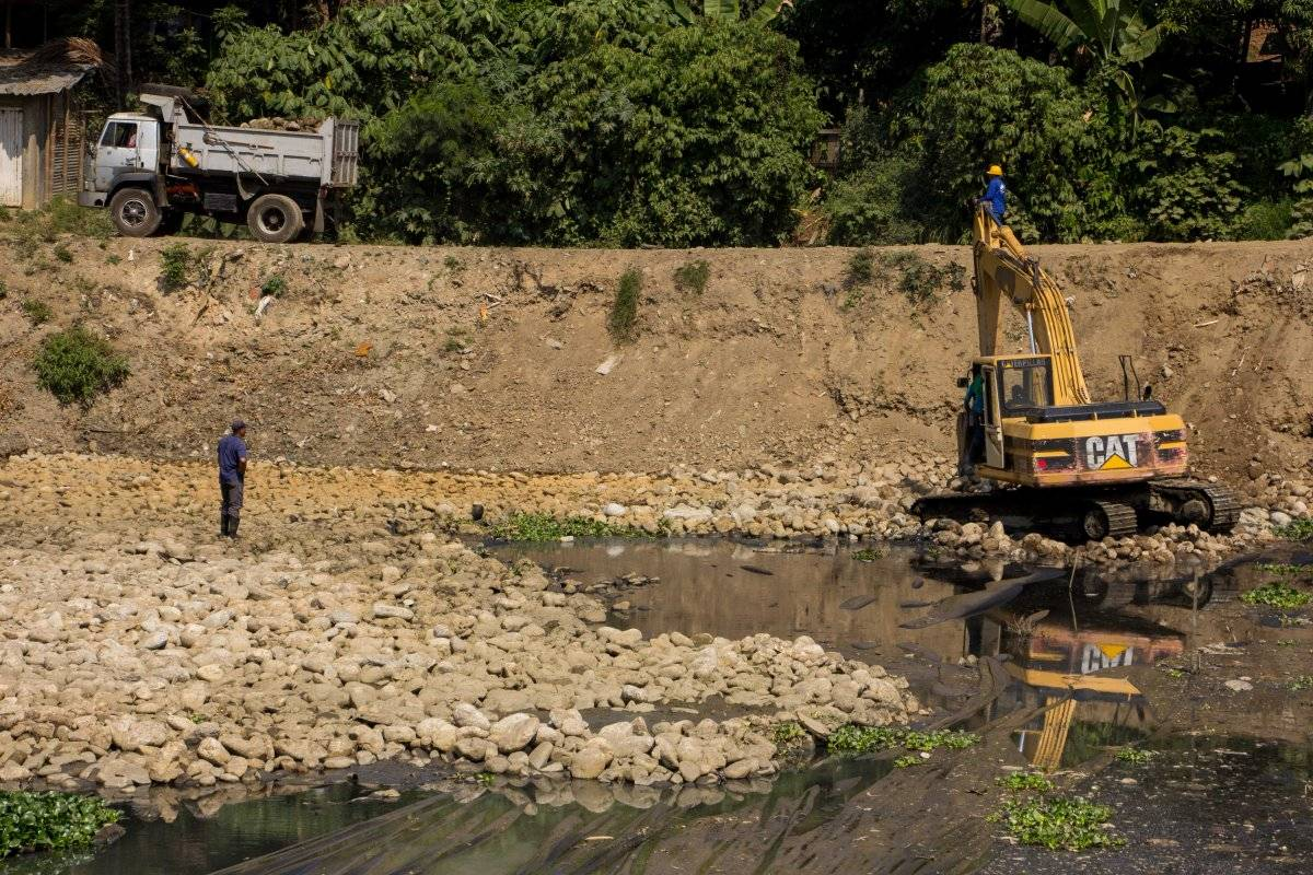 La laguna El Pondaje en proceso de recuperación. Hasta finales de enero del 2018 se había liberado el 29% de las lagunas de regulación. Foto: Hroy Chávez