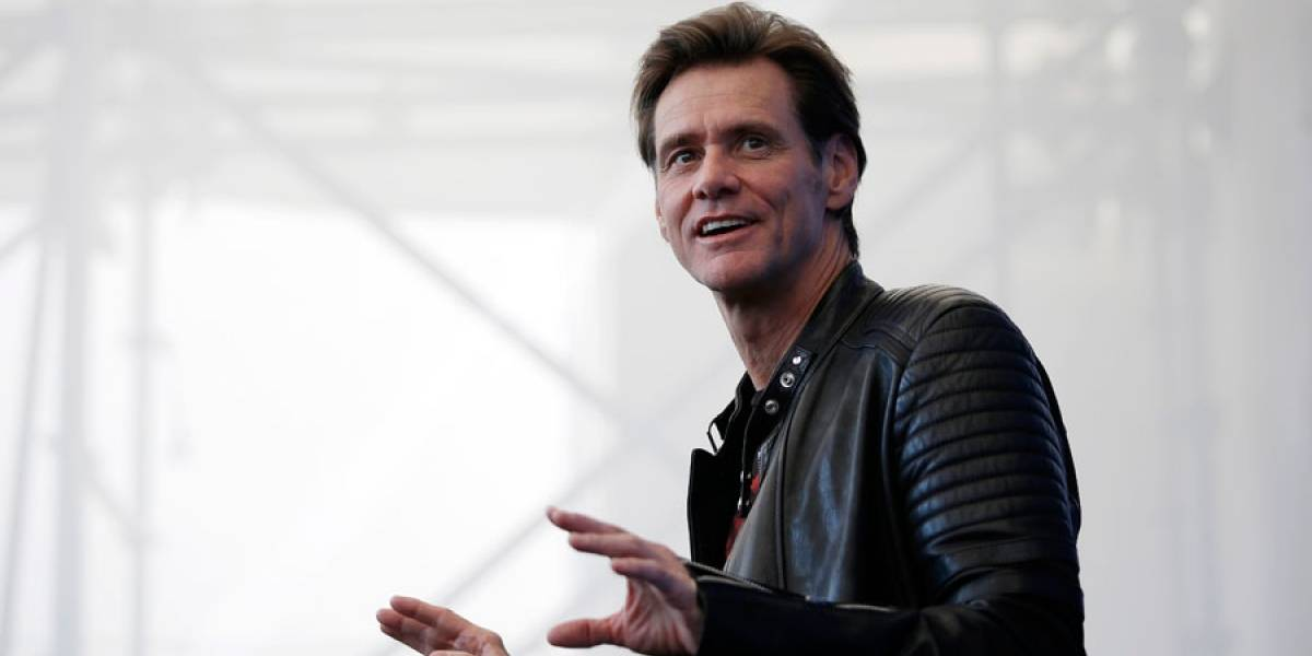 Jim Carrey exhorta a usuarios a salirse de Facebook