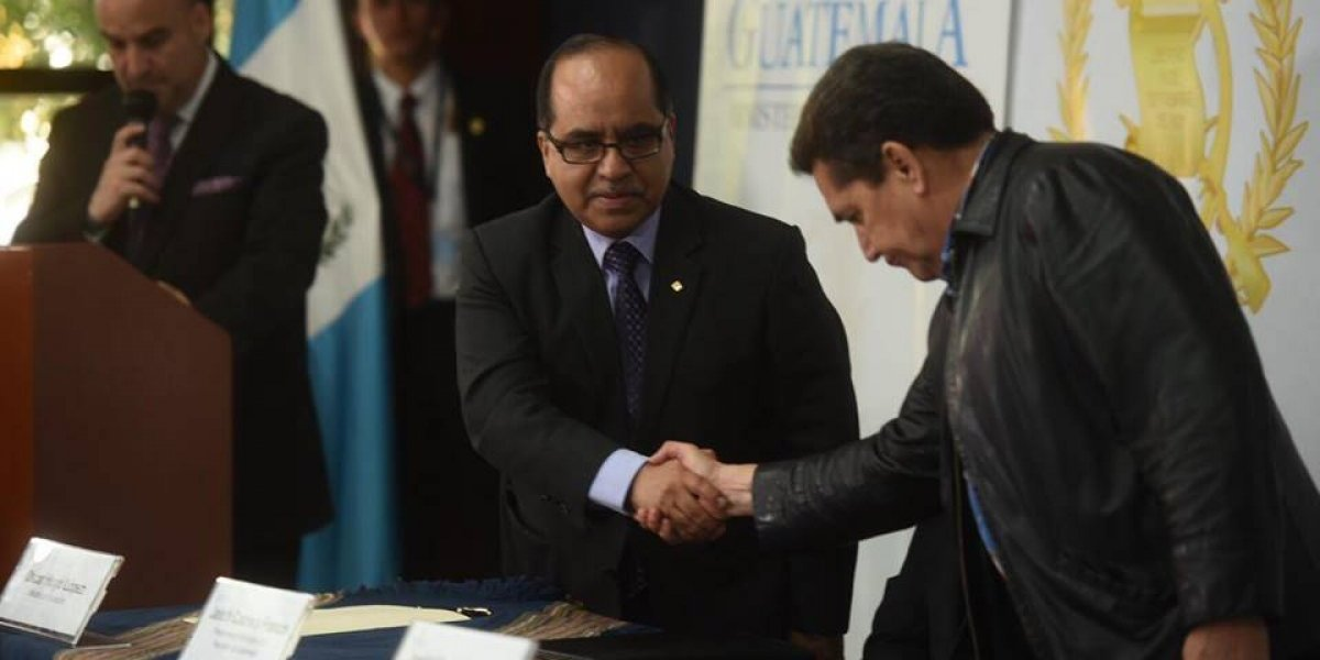Mineduc y magisterio firman acuerdos del pacto colectivo