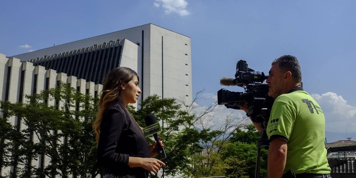 """""""El miedo reina en el ejercicio periodístico en Medellín"""": Juan David Betancur"""