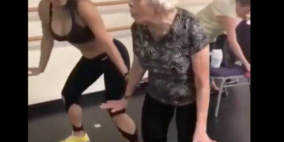 """Anciana causa sensación en las redes con su """"DuraChallenge"""""""