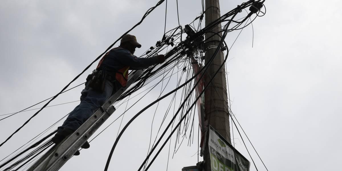 CFE restablece 54% del servicio de electricidad a afectados por el sismo