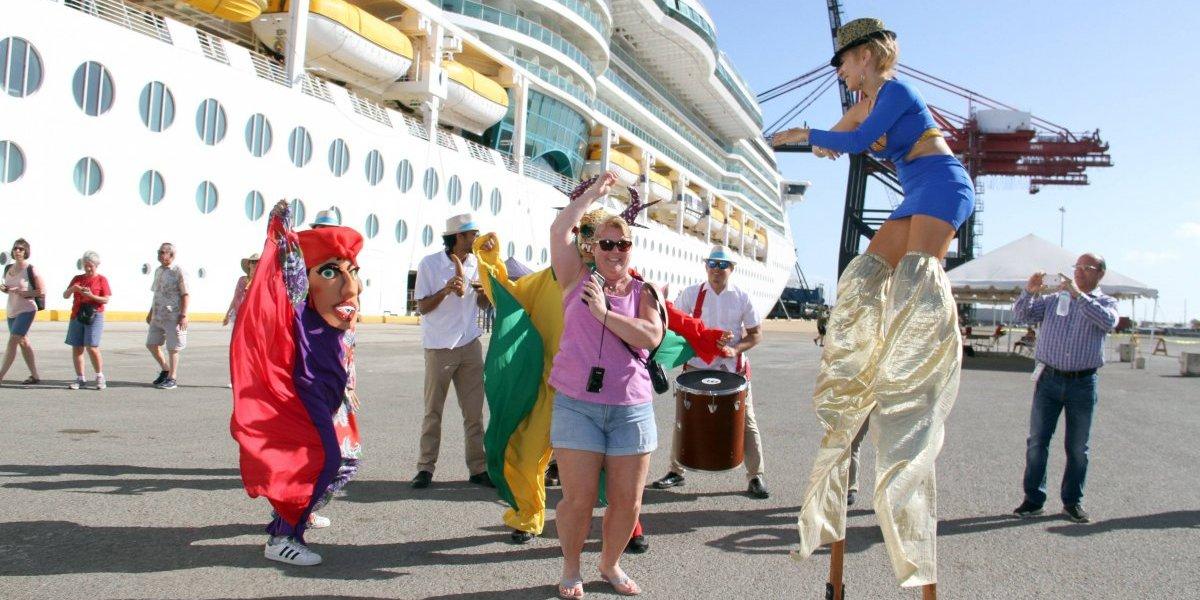 Llega a Ponce el crucero Serenade of the Seas