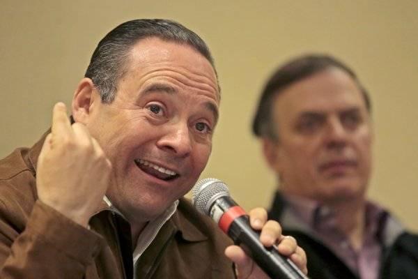 Uribe oficializa que deja barco de MC, va con AMLO