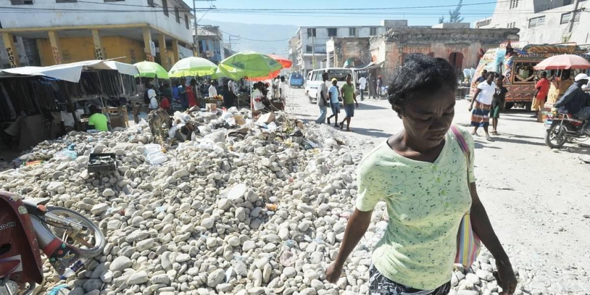 """El escándalo que salpica a Oxfam por las """"fiestas con prostitutas"""" de sus altos cargos en Haití tras el terremoto de 2010"""