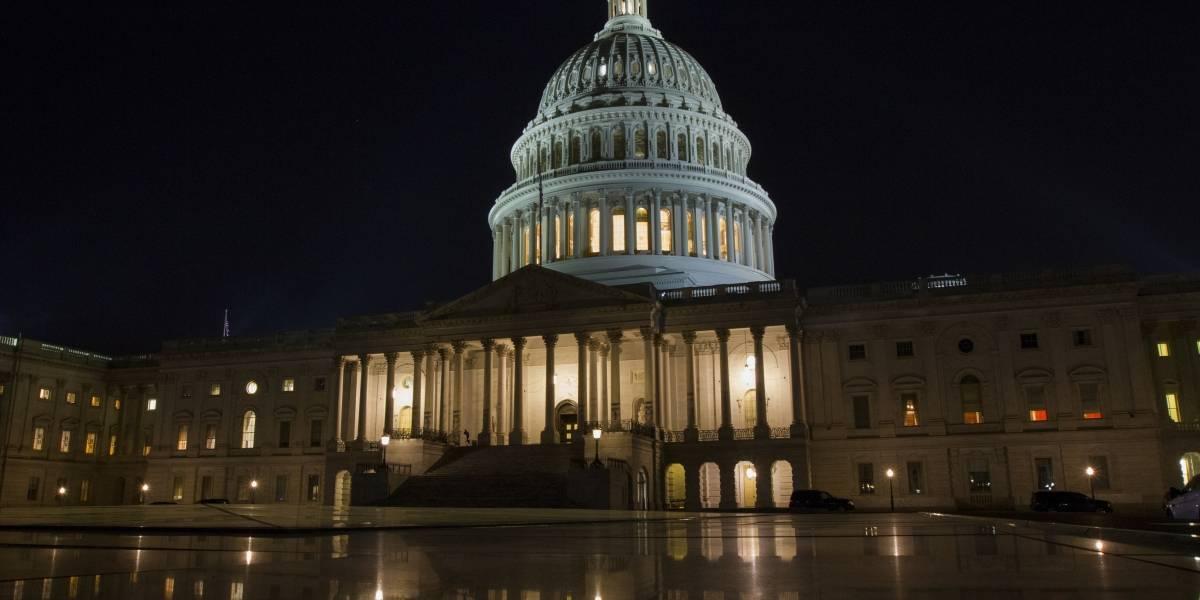 EU pasa acuerdo presupuestario, levanta breve cierre del gobierno