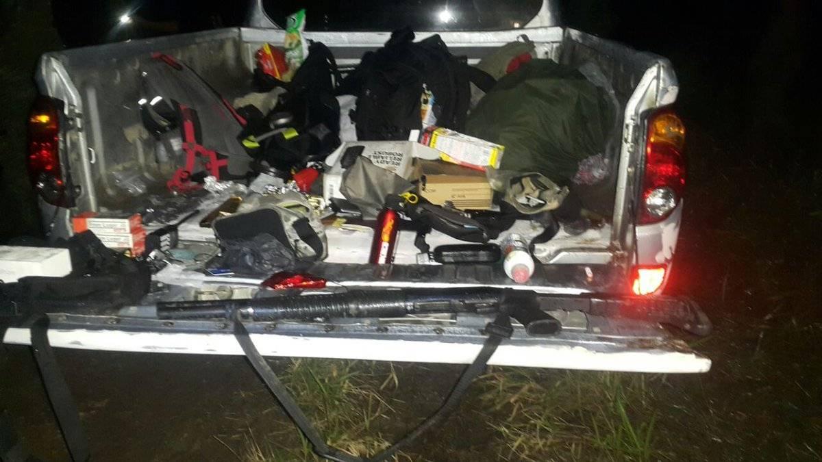 Dinero en efectivo y armas de grueso calibre llevaban los capturados. PNC