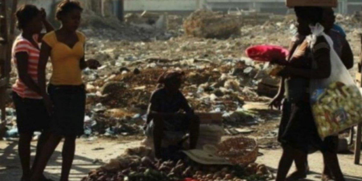 """Miembros de ONG inglesa organizaron """"orgías como las de Calígula"""" en Haití mientras """"ayudaban"""" a los sobrevivientes del terremoto"""