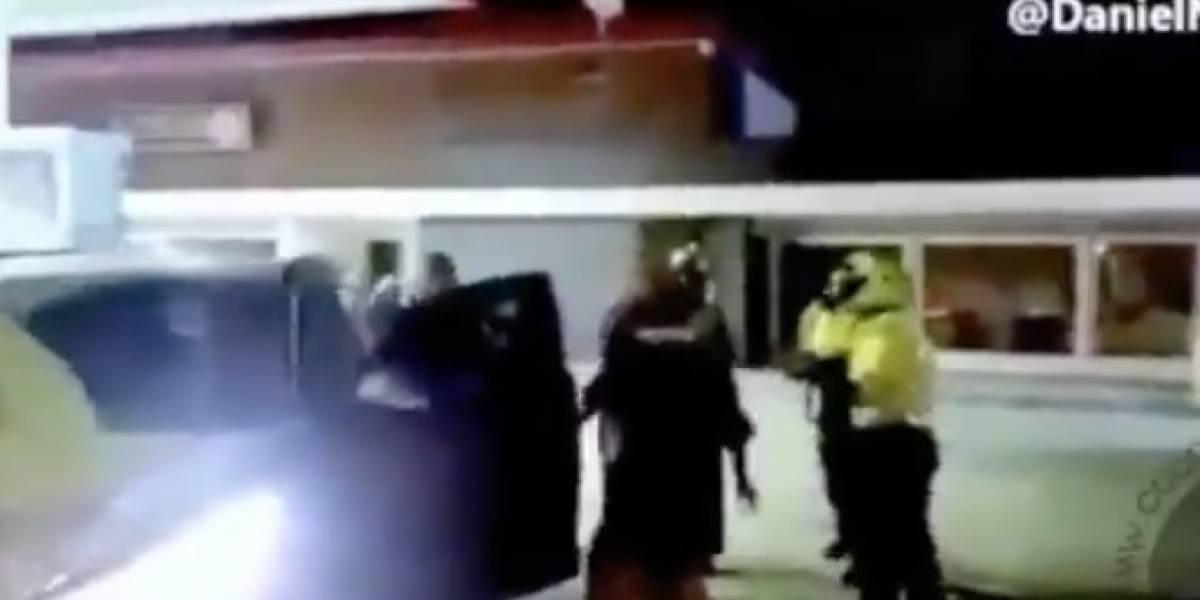 Uniformados sorprenden a Mayor de la Policía manejando borracho y este los golpea
