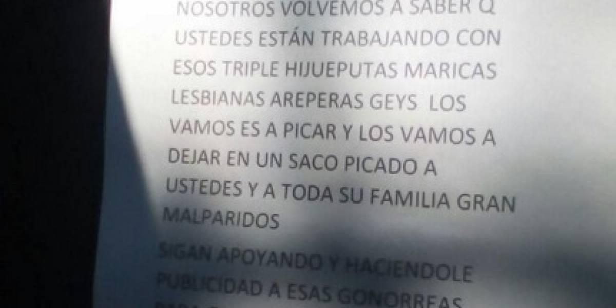 Líder social recibe amenaza por evento en el que devolvió libros quemados por Ordóñez