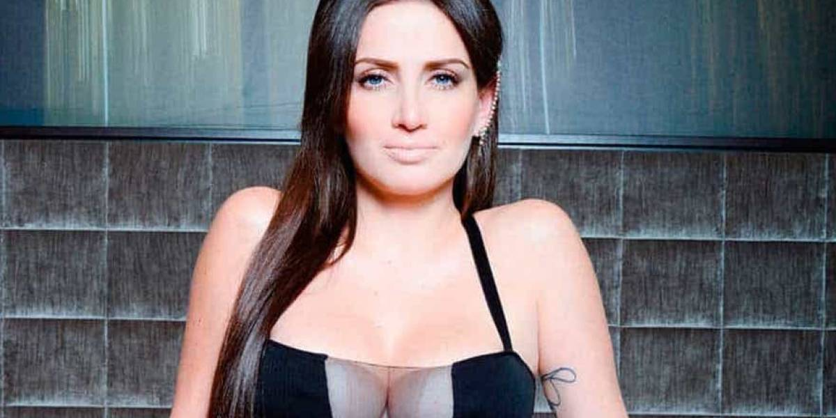 Celia Lora desafía Twitter y publica un topless