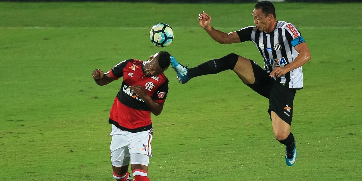 """La felicidad de Rafael Vaz por llegar a la U: """"Se siente honrado de defender a un club grande, lo hará con garra"""""""