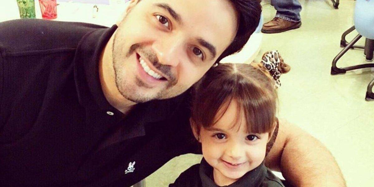 Luis Fonsi arremete contra quienes han criticado el cuerpo de su hija de 6 años