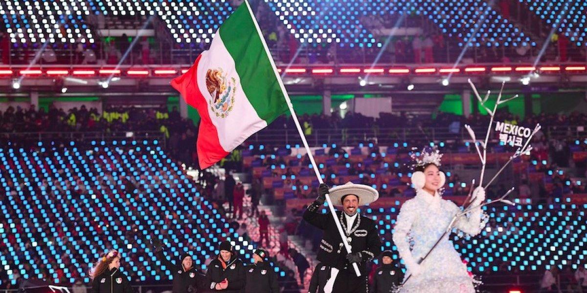México desfila vestido de Charro en Juegos Olímpicos de Invierno