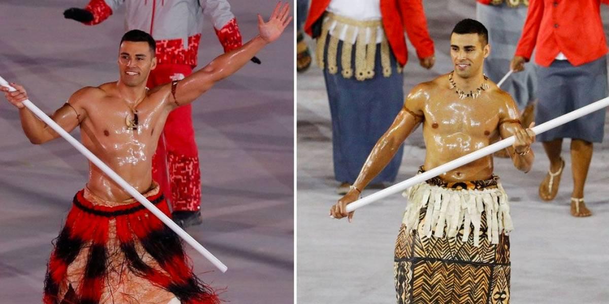 Sucesso na Rio 2016, atleta de Tonga volta a desfilar seminu na abertura dos Jogos de Inverno