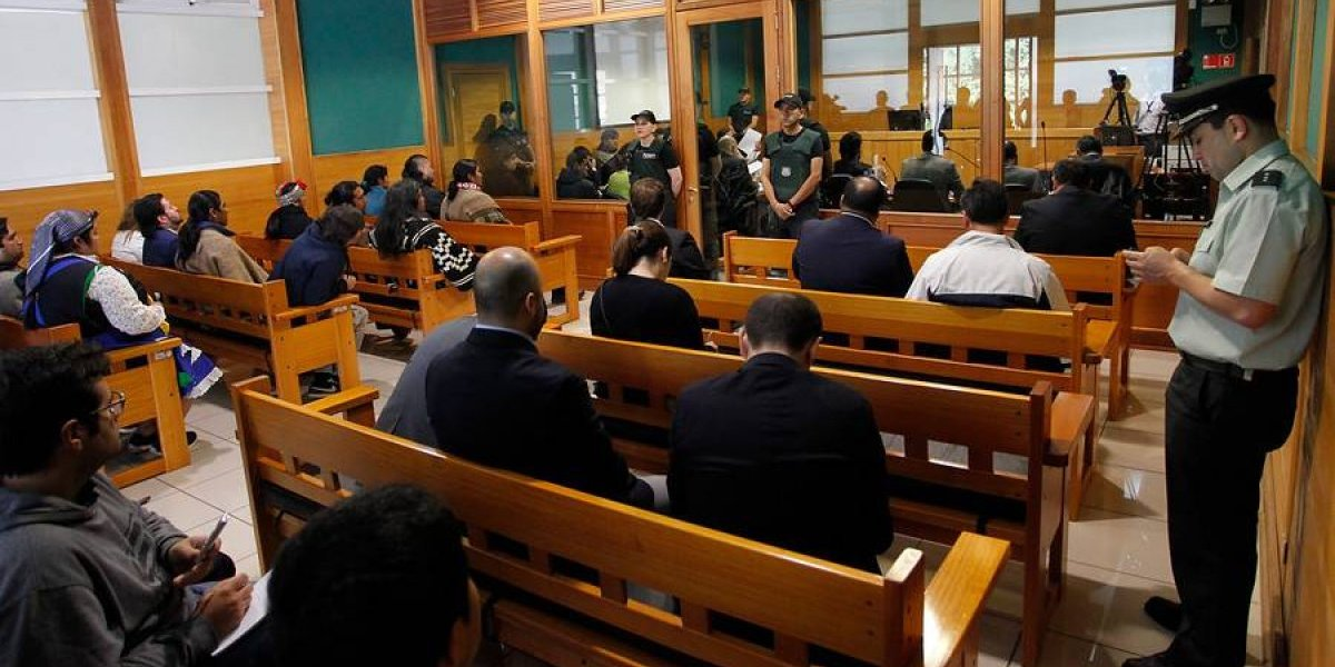"Duro ""lumazo"" a Carabineros por ""Operación Huracán"": juez pone fin a la investigación"