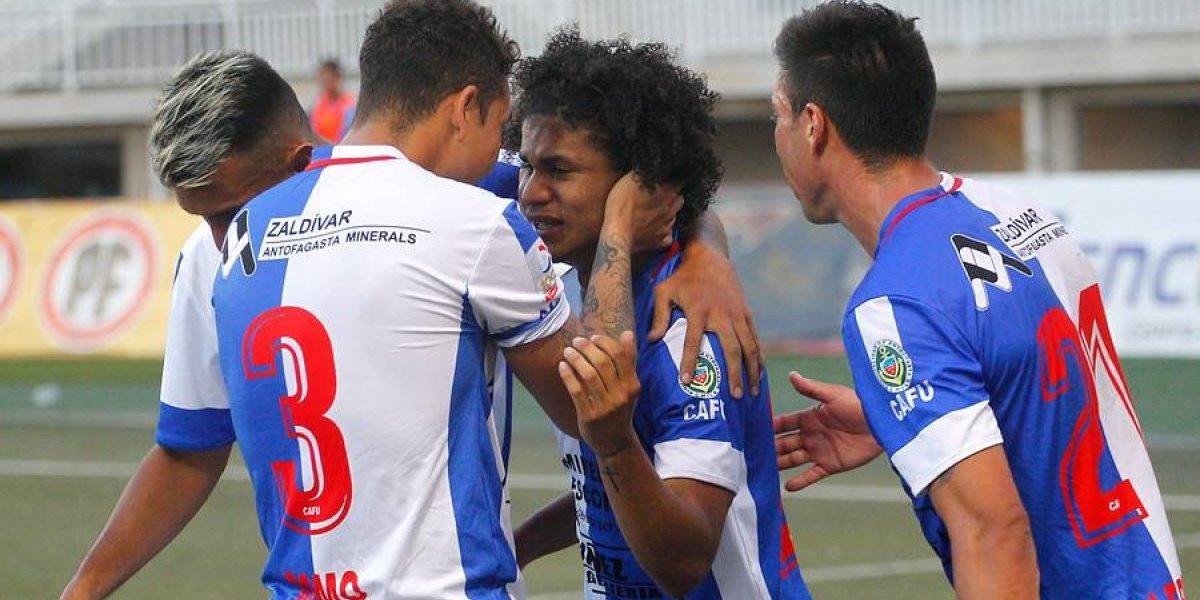 Antofagasta venció a La Calera en un polémico debut del árbitro Fabián Aracena