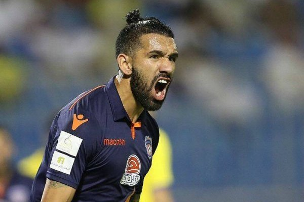 Desde Arabia Saudita Ronnie Fernández sigue atento a Santiago Wanderers / Foto: Gentileza
