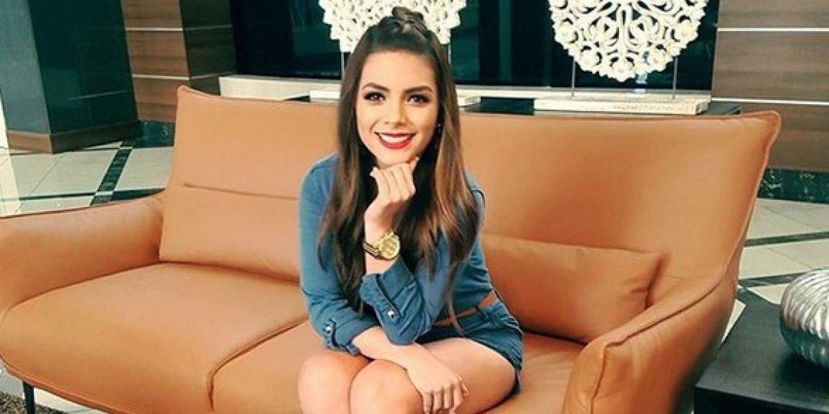 La presentadora Sandy Méndez se prepara para el verano con sexy traje de baño