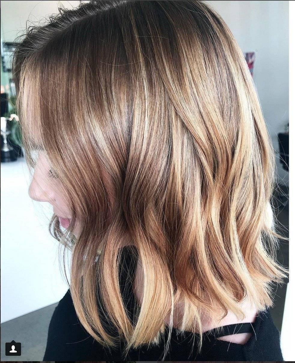 Corte de pelo recto con capas largas