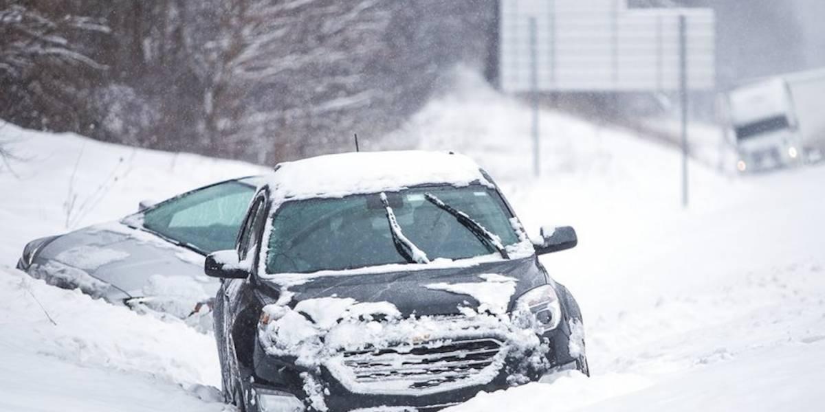 Nevada en Michigan causa choque de decenas de vehículos