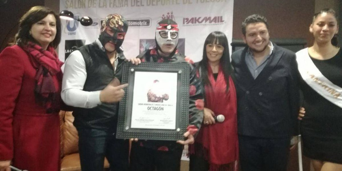 ¡El amo de la lucha libre! Octagón es inducido al Internacional Salón de la Fama