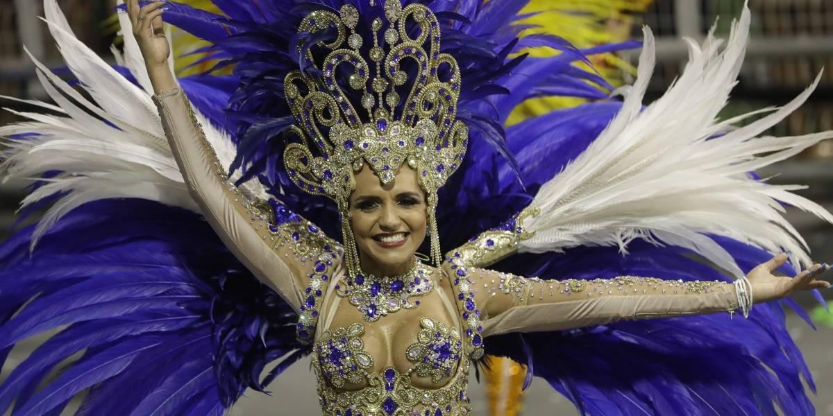 Brasil olvida sus problemas bailando en las fiestas de carnaval