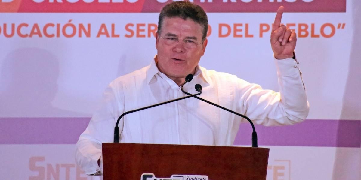 Juan Díaz de la Torre seguirá como dirigente del SNTE