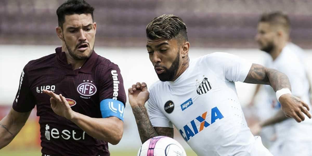 Gabigol estreia com bola na rede, mas Santos cede empate