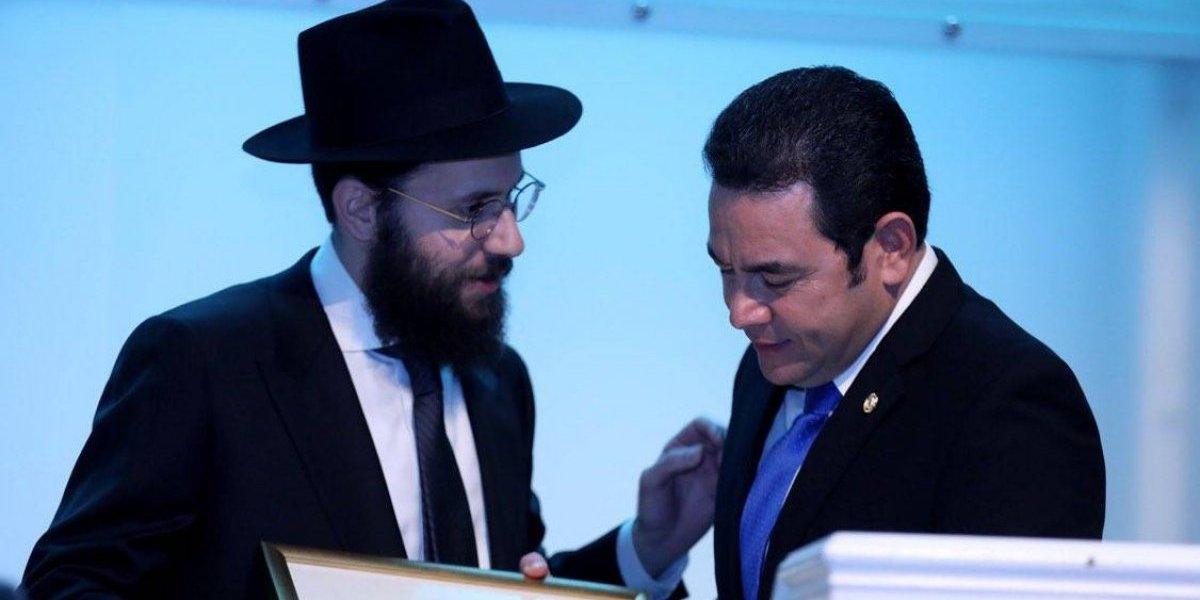 Comunidad judía le entrega reconocimiento al presidente Morales
