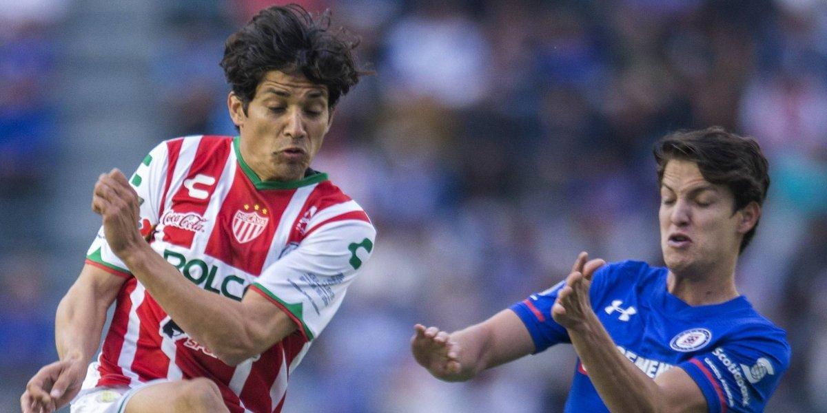 Matías Fernández y Dávila fueron claves para que Necaxa le gane al Cruz Azul en un duelo lleno de chilenos