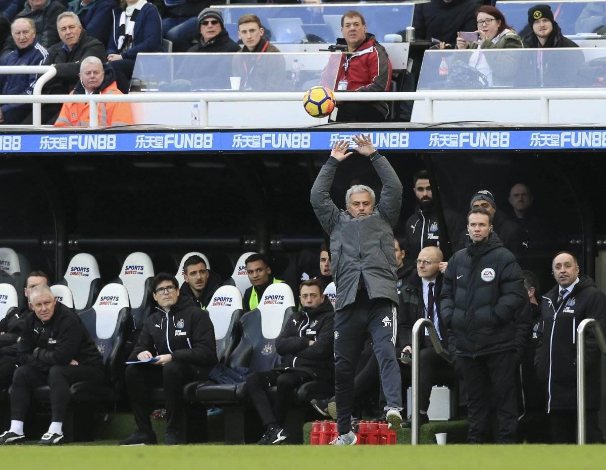 Mourinho puso en riesgo el subliderato de su equipo.