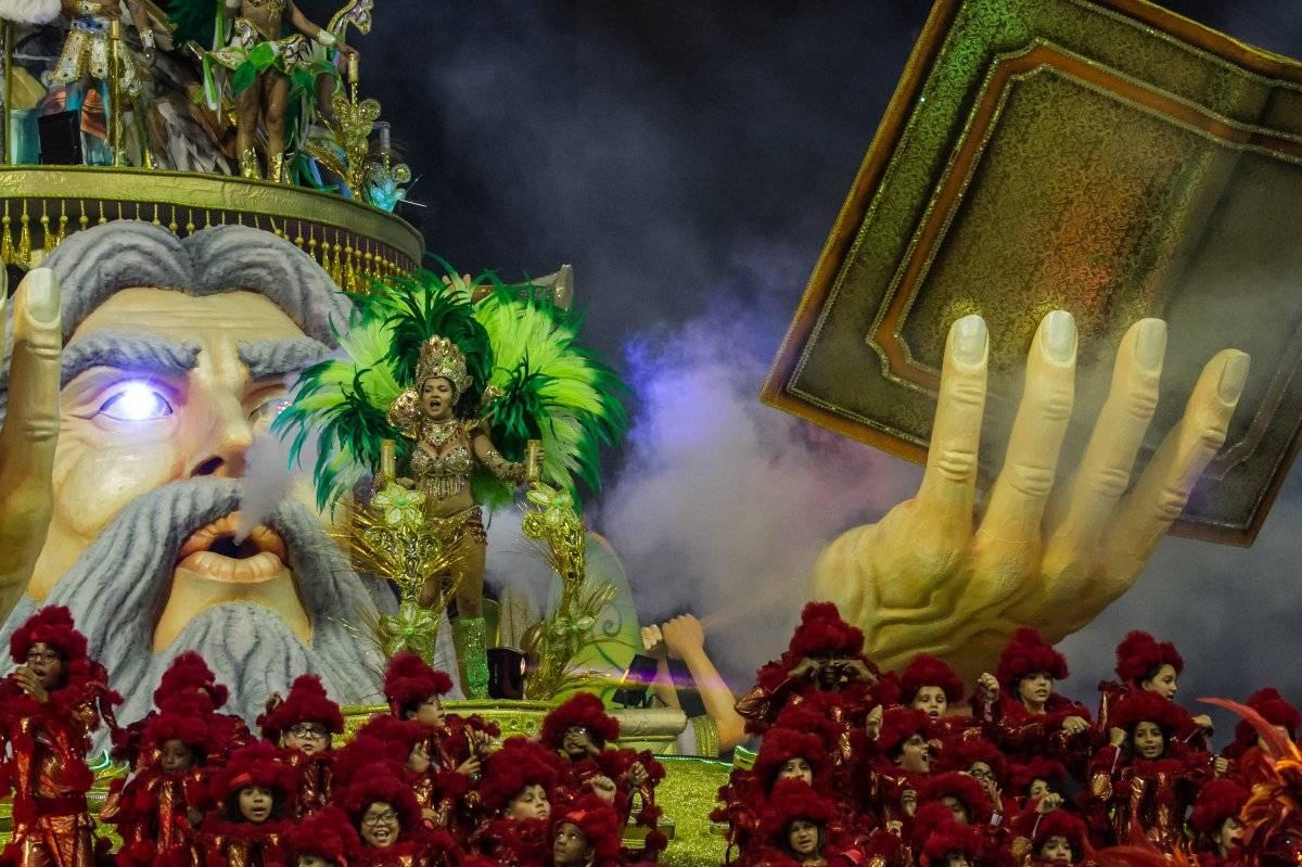 """Desfile da escola de samba """"X-9 Paulistana"""" Ofotográfico/Folhapress"""