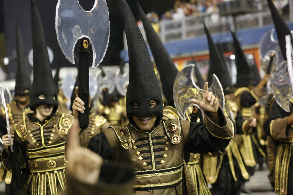 """Desfile da escola de samba """"Império de Casa Verde"""" Joel Silva/Folhapress"""