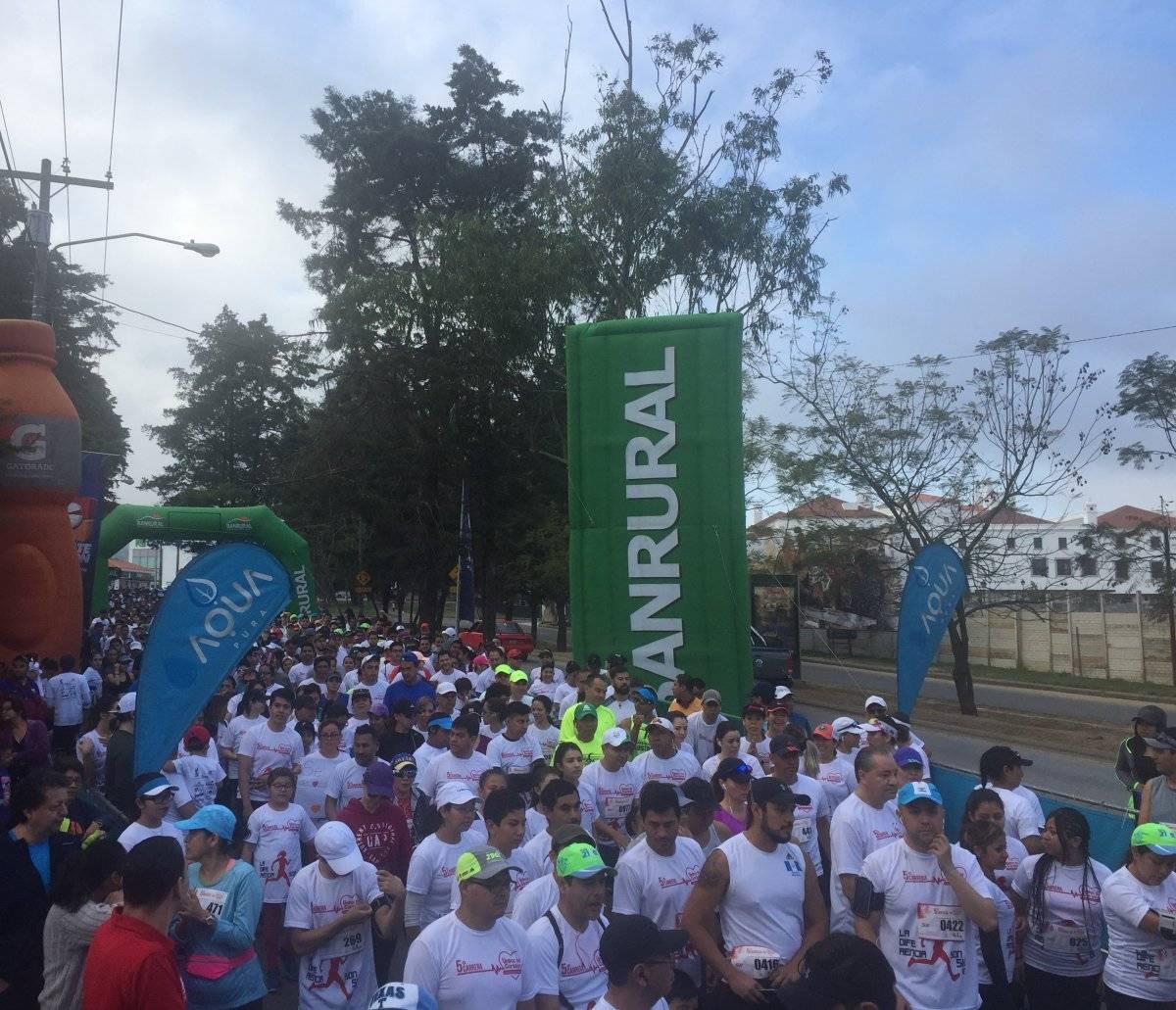 más de tres mil personas se hicieron presentes para participar.