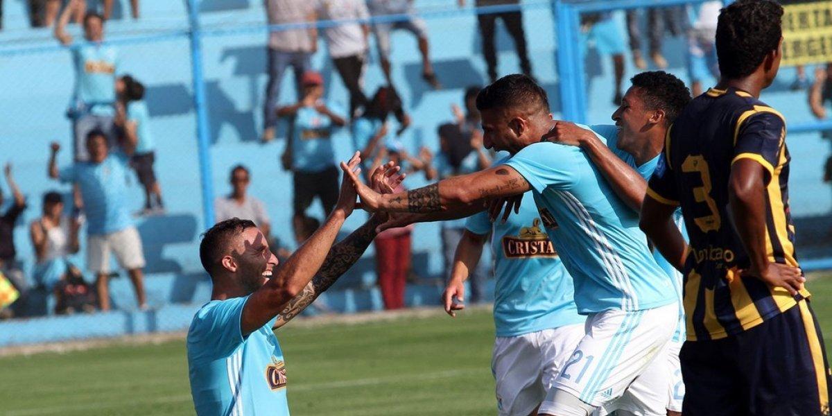 Mario Salas tuvo un glorioso estreno con Sporting Cristal con goleada incluida ante el equipo de Canchita Gonzales