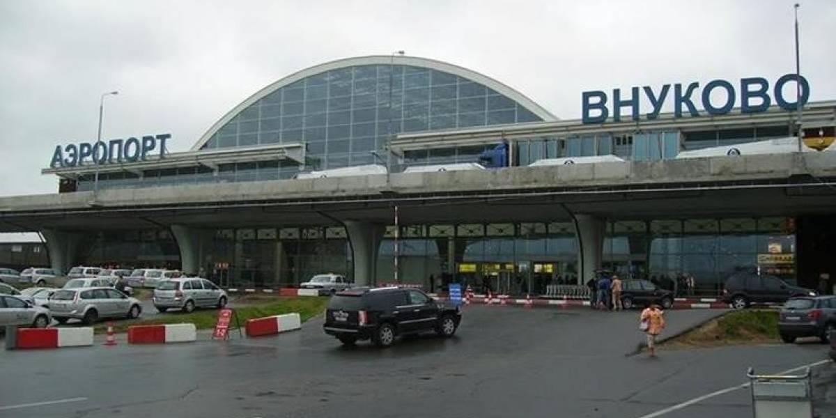 Avión comercial con 71 personas a bordo se desploma cerca de Moscú