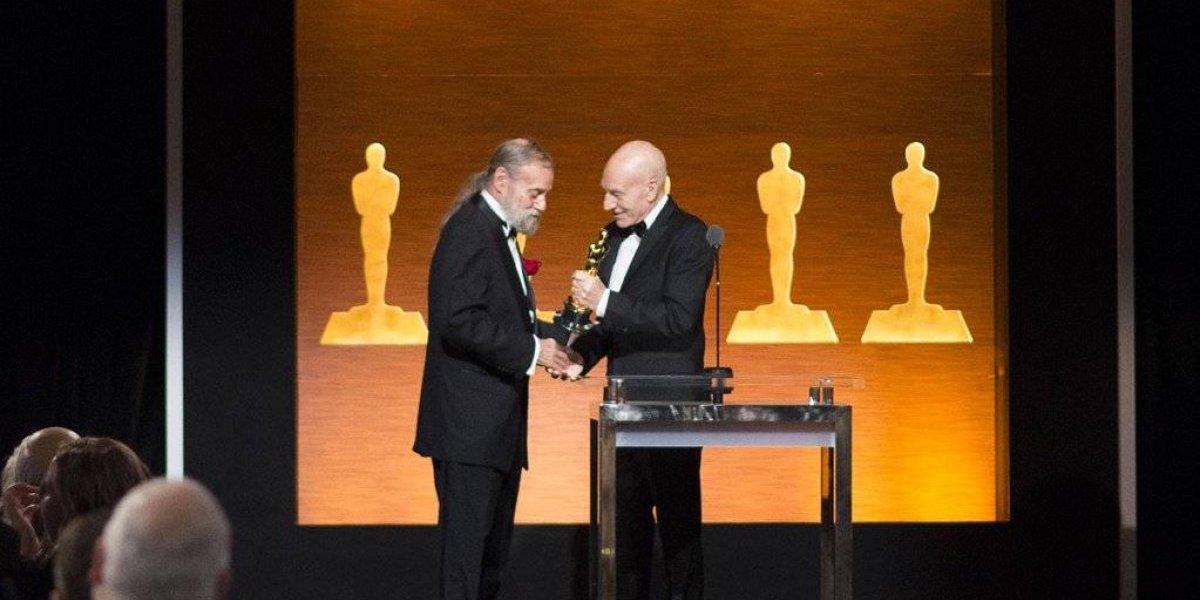 Recibe Óscar técnico el mago de efectos visuales de 'Star Wars'