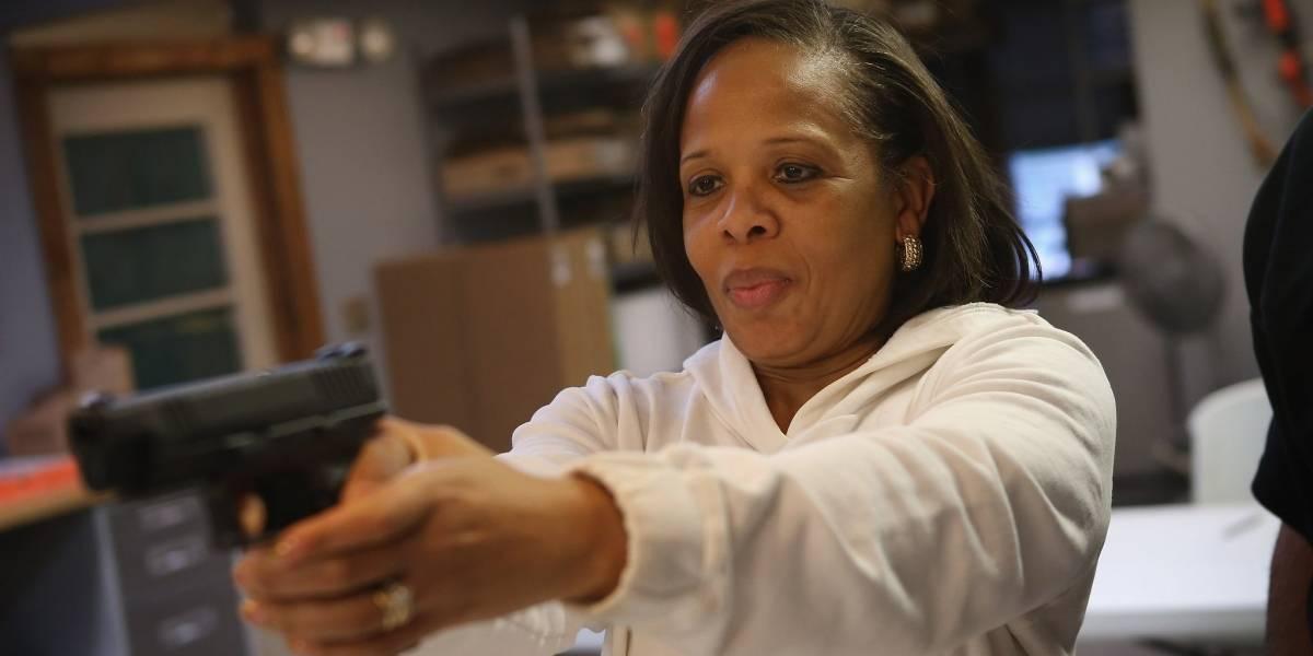 Por qué cada vez más negros en Estados Unidos están fundando sus propios clubes de armas