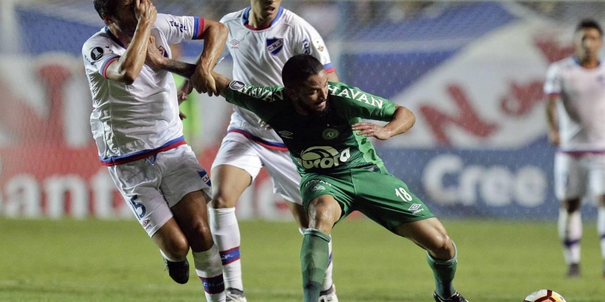 Nacional de Uruguay recibió una dura sanción por parte de la Conmebol tras burla de los hinchas a Chapecoense