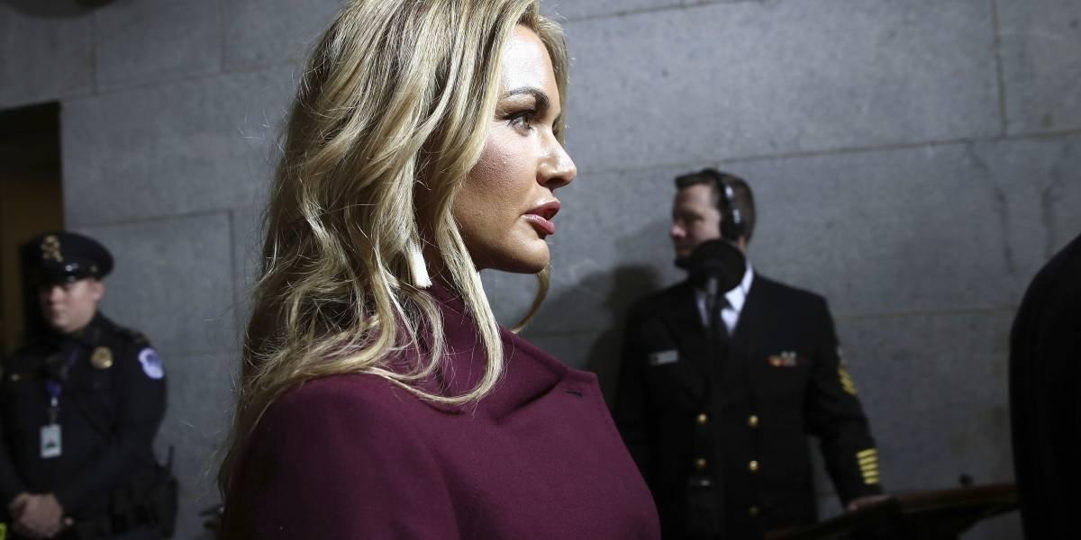 Trasladan a hospital a esposa de un hijo de Trump tras abrir sobre sospechoso