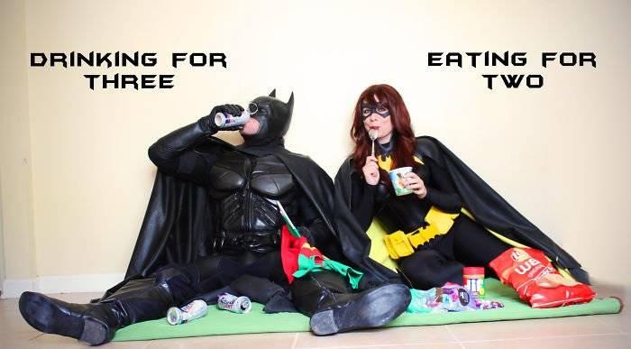 batmanbatwomanpregnancyannouncementphotoocularis01258fdc0a5a3ea3700.jpg