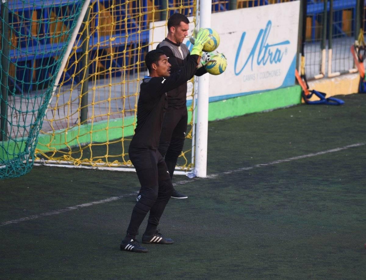 Fredy Pérez puede entrenar con toda normalidad.
